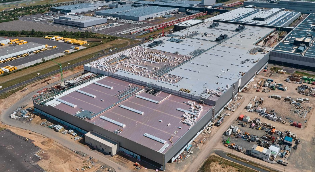 Porsche continua sus adecuaciones a la fábrica de Leipzig para producir vehículos eléctricos