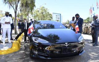 Luis Abinader invitó a Musk a invertir en República Dominicana