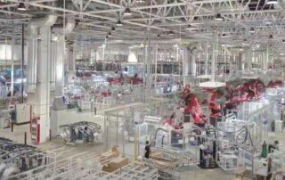Tesla Gigafactory Shanghai es mostrada como una maquina que construye maquinas